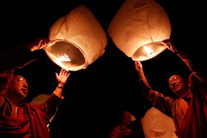 Lanternes Volantes écologiques 100 Biodégradables